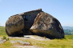 Stone House in Portugal2